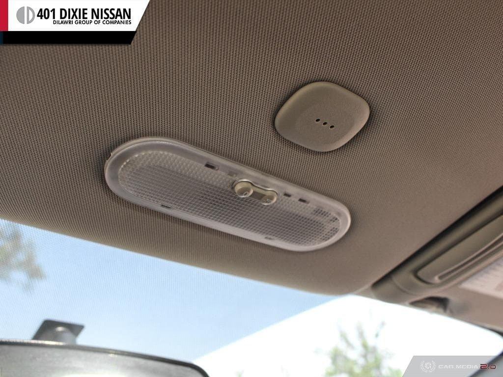 2014 Nissan Versa Note Hatchback 1.6 SV CVT in Mississauga, Ontario - 21 - w1024h768px