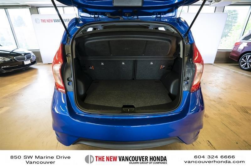 2017 Nissan Versa Note Hatchback 1.6 S CVT in Vancouver, British Columbia - 39 - w1024h768px