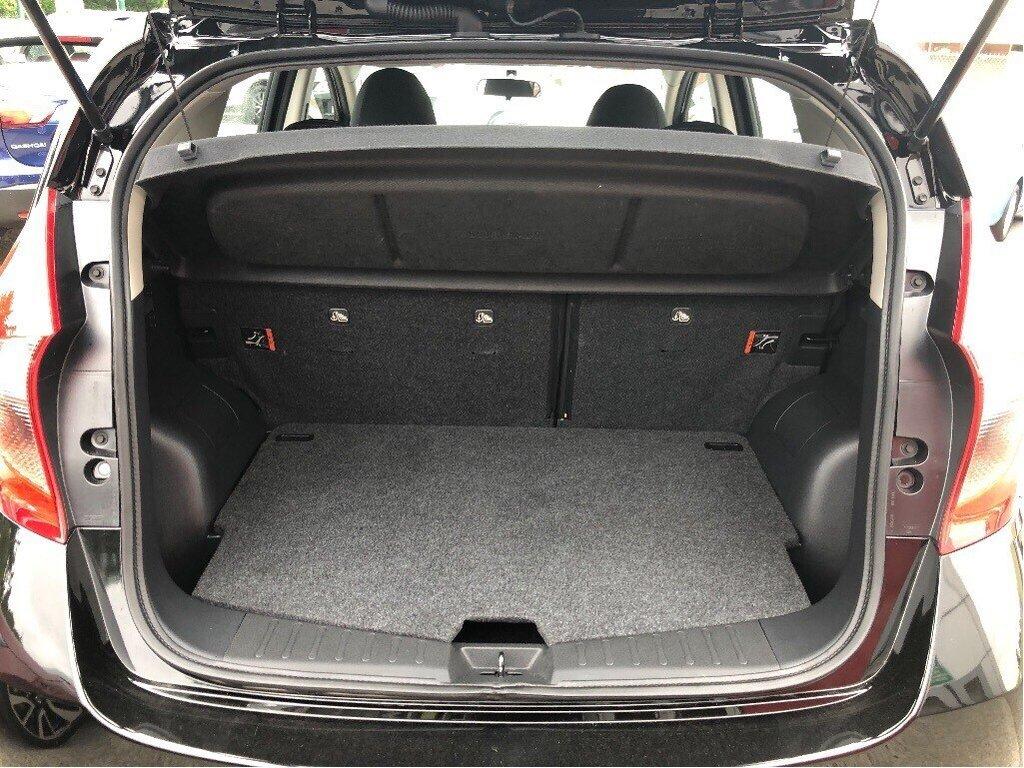 2018 Nissan Versa Note Hatchback 1.6 SV CVT (2) in Vancouver, British Columbia - 38 - w1024h768px