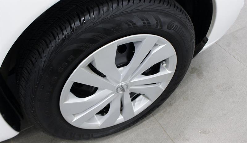 2018 Nissan Versa Note Hatchback 1.6 S CVT in Regina, Saskatchewan - 17 - w1024h768px