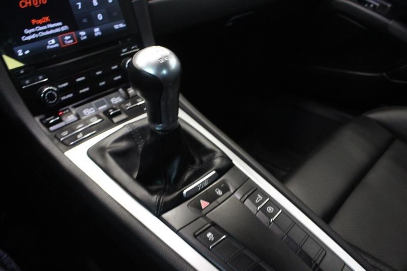 2018 Porsche 718 Cayman S Local Trade No Accidents in Regina, Saskatchewan - 6 - w1024h768px