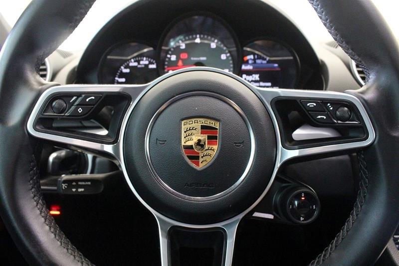 2018 Porsche 718 Cayman S Local Trade No Accidents in Regina, Saskatchewan - 3 - w1024h768px