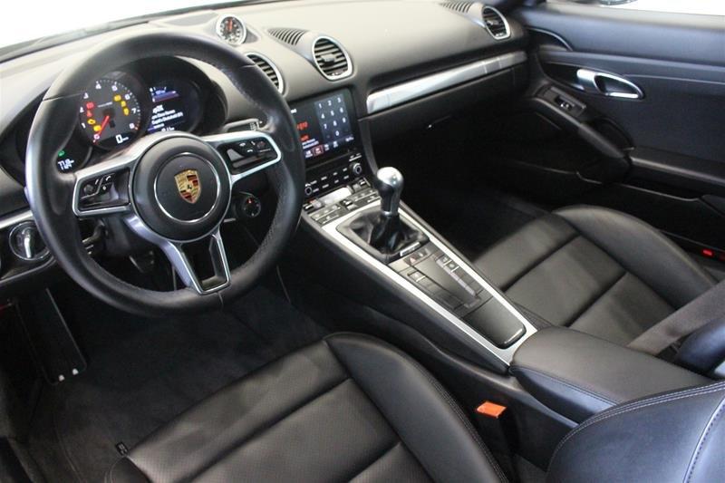 2018 Porsche 718 Cayman S Local Trade No Accidents in Regina, Saskatchewan - 9 - w1024h768px