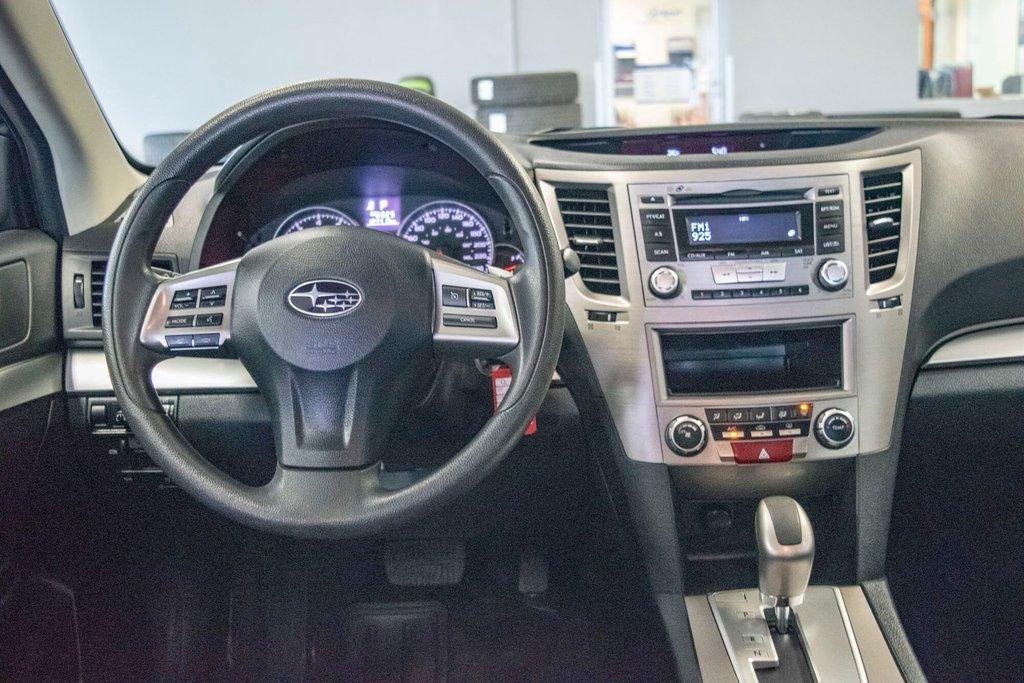 2013 Subaru Legacy 2.5i in Dollard-des-Ormeaux, Quebec - 10 - w1024h768px
