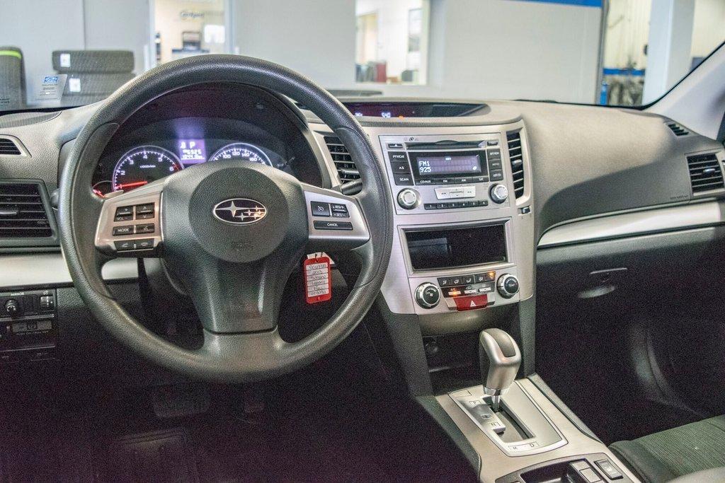 2013 Subaru Legacy 2.5i in Dollard-des-Ormeaux, Quebec - 9 - w1024h768px