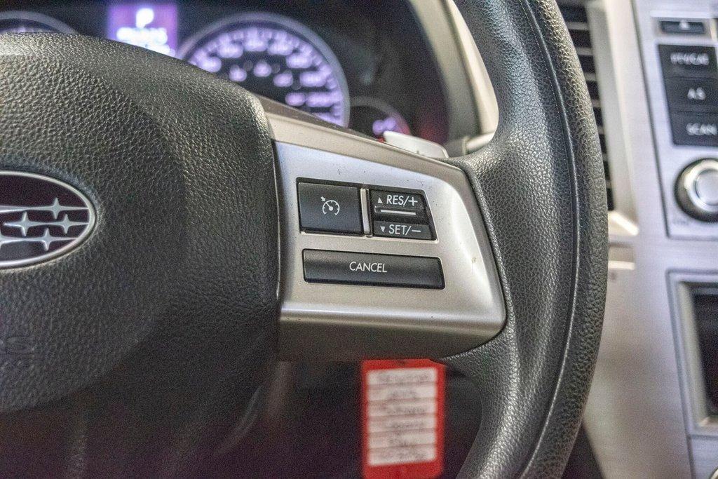 2013 Subaru Legacy 2.5i in Dollard-des-Ormeaux, Quebec - 14 - w1024h768px