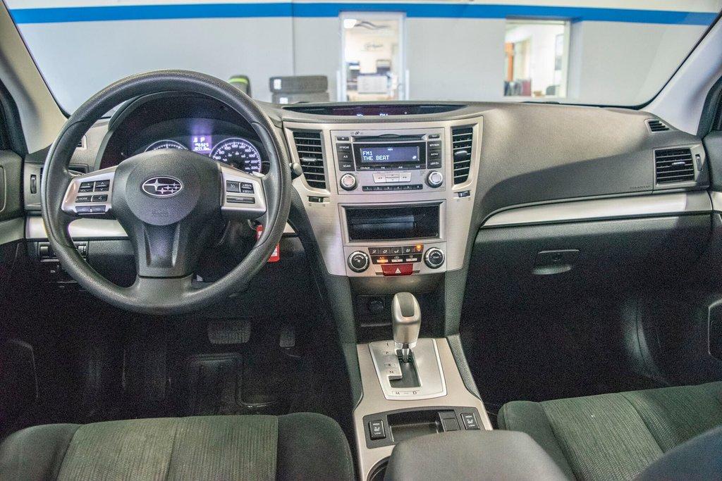2013 Subaru Legacy 2.5i in Dollard-des-Ormeaux, Quebec - 22 - w1024h768px