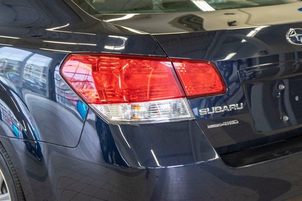 2013 Subaru Legacy 2.5i in Dollard-des-Ormeaux, Quebec - 32 - w1024h768px