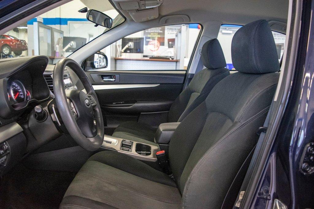 2013 Subaru Legacy 2.5i in Dollard-des-Ormeaux, Quebec - 23 - w1024h768px
