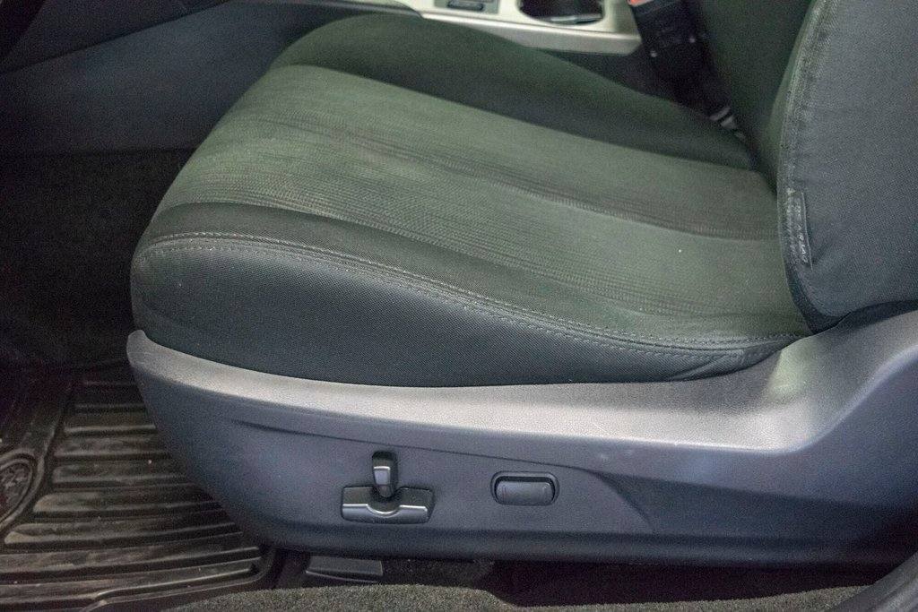 2013 Subaru Legacy 2.5i in Dollard-des-Ormeaux, Quebec - 24 - w1024h768px