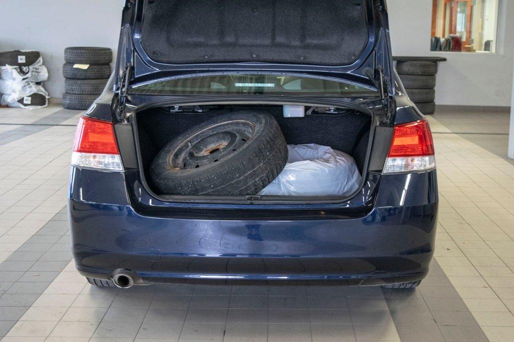 2013 Subaru Legacy 2.5i in Dollard-des-Ormeaux, Quebec - 28 - w1024h768px