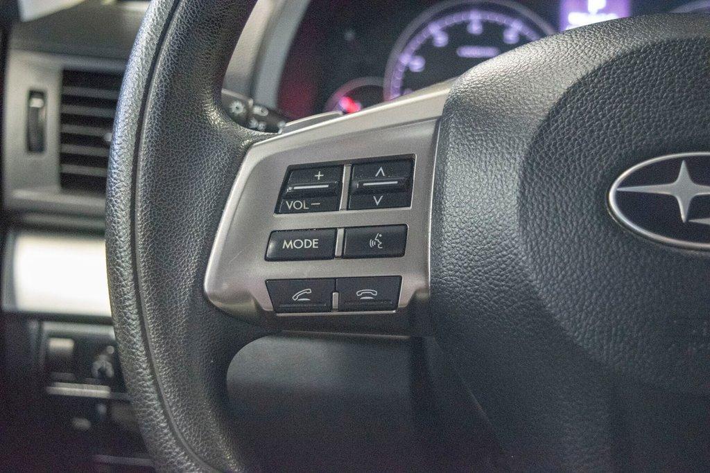 2013 Subaru Legacy 2.5i in Dollard-des-Ormeaux, Quebec - 13 - w1024h768px