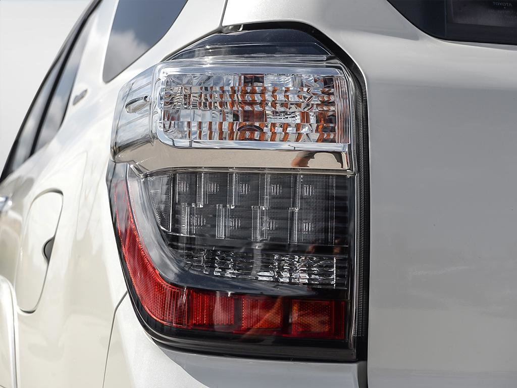 Toyota 4Runner SR5 V6 5A 2019 à Verdun, Québec - 10 - w1024h768px