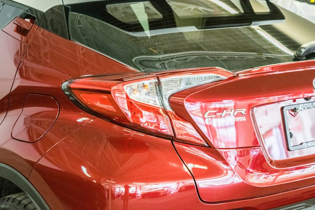 Toyota C-HR XLE/ Mags/ Caméra Recul /Sièges Chauffants /2 tons 2018 à Verdun, Québec - 40 - w1024h768px
