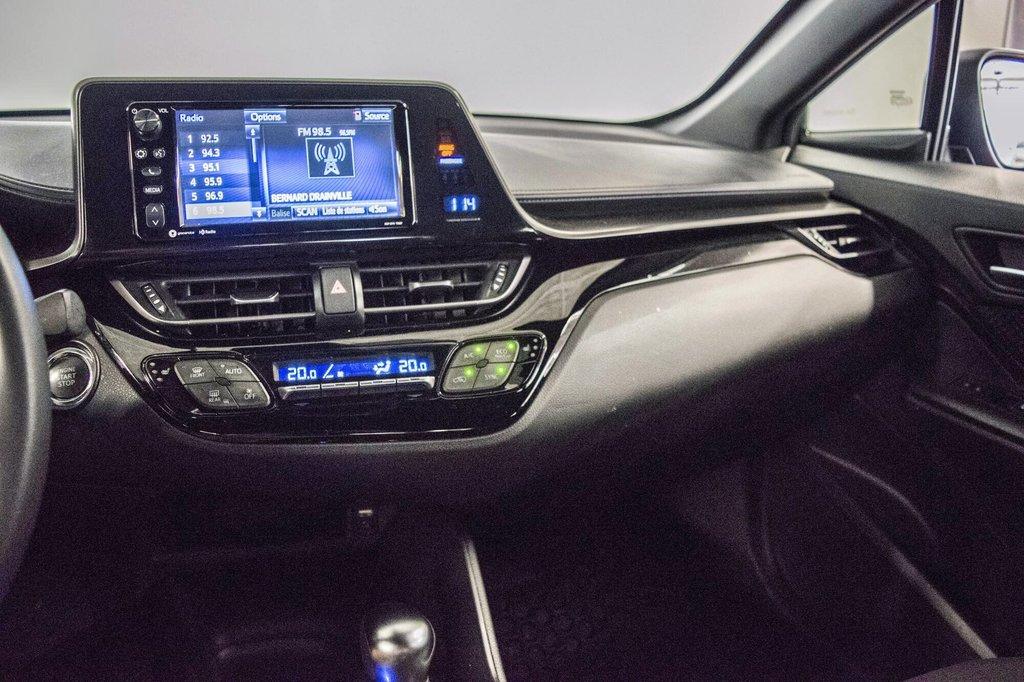 Toyota C-HR XLE/ Mags/ Caméra Recul /Sièges Chauffants /2 tons 2018 à Verdun, Québec - 27 - w1024h768px