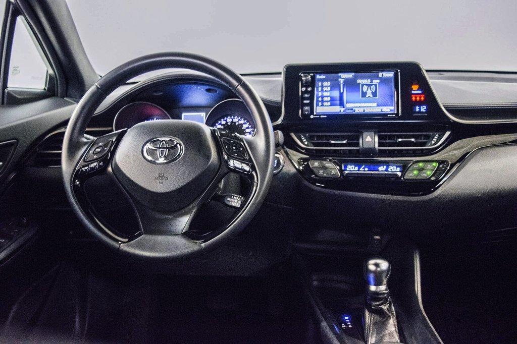 Toyota C-HR XLE/ Mags/ Caméra Recul /Sièges Chauffants /2 tons 2018 à Verdun, Québec - 17 - w1024h768px