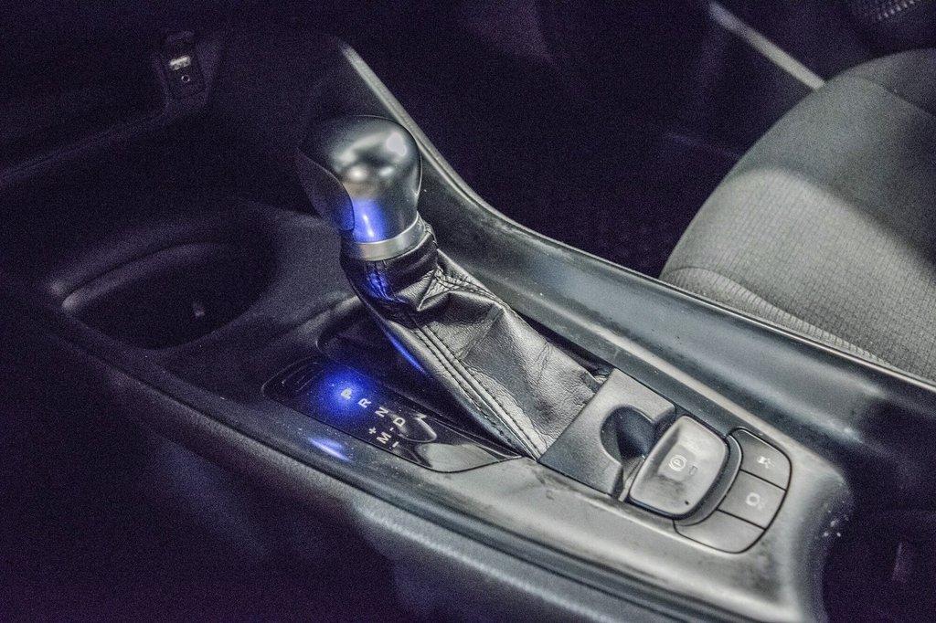 Toyota C-HR XLE/ Mags/ Caméra Recul /Sièges Chauffants /2 tons 2018 à Verdun, Québec - 29 - w1024h768px