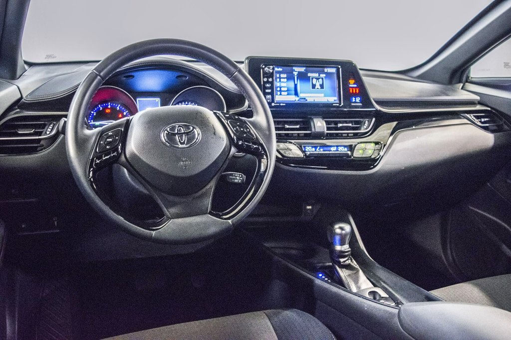 Toyota C-HR XLE/ Mags/ Caméra Recul /Sièges Chauffants /2 tons 2018 à Verdun, Québec - 16 - w1024h768px