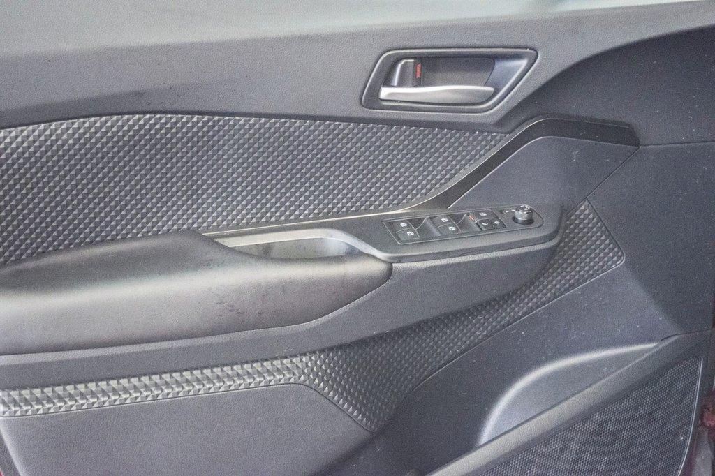 Toyota C-HR XLE/ Mags/ Caméra Recul /Sièges Chauffants /2 tons 2018 à Verdun, Québec - 33 - w1024h768px