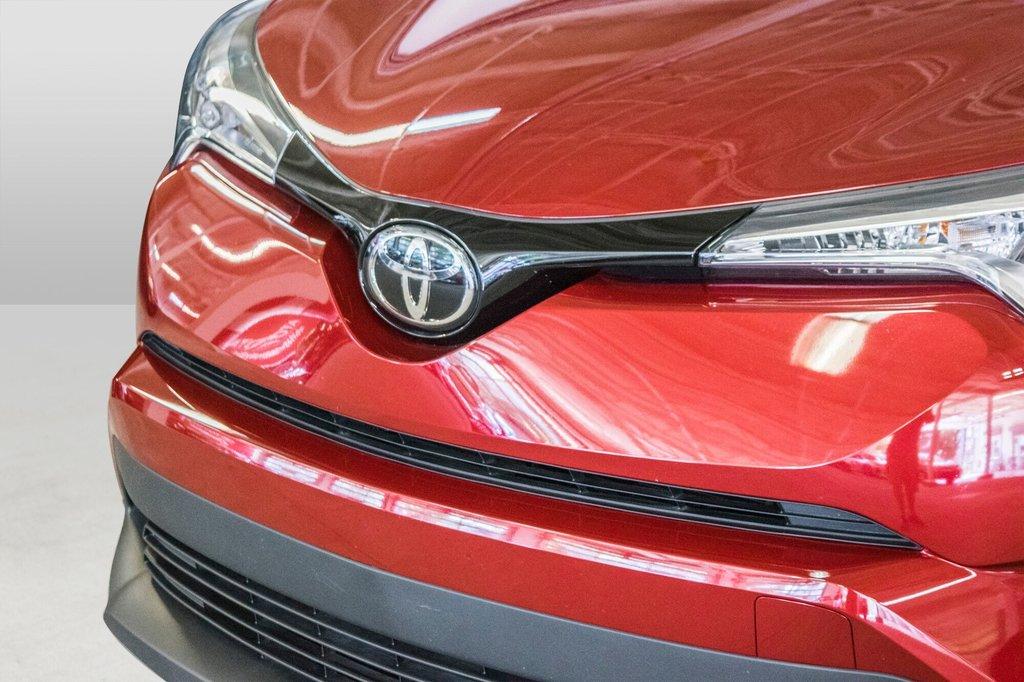 Toyota C-HR XLE/ Mags/ Caméra Recul /Sièges Chauffants /2 tons 2018 à Verdun, Québec - 39 - w1024h768px