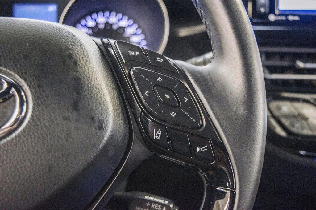 Toyota C-HR XLE/ Mags/ Caméra Recul /Sièges Chauffants /2 tons 2018 à Verdun, Québec - 20 - w1024h768px