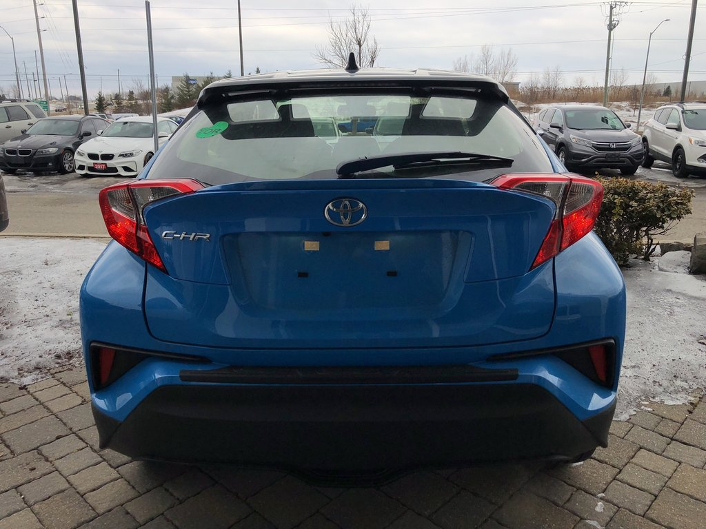 2019 Toyota C-HR XLE in Bolton, Ontario - 5 - w1024h768px