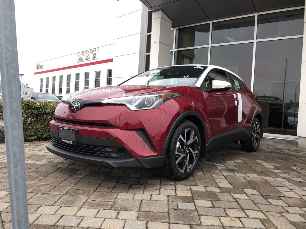 2019 Toyota C-HR XLE in Bolton, Ontario - 1 - w1024h768px