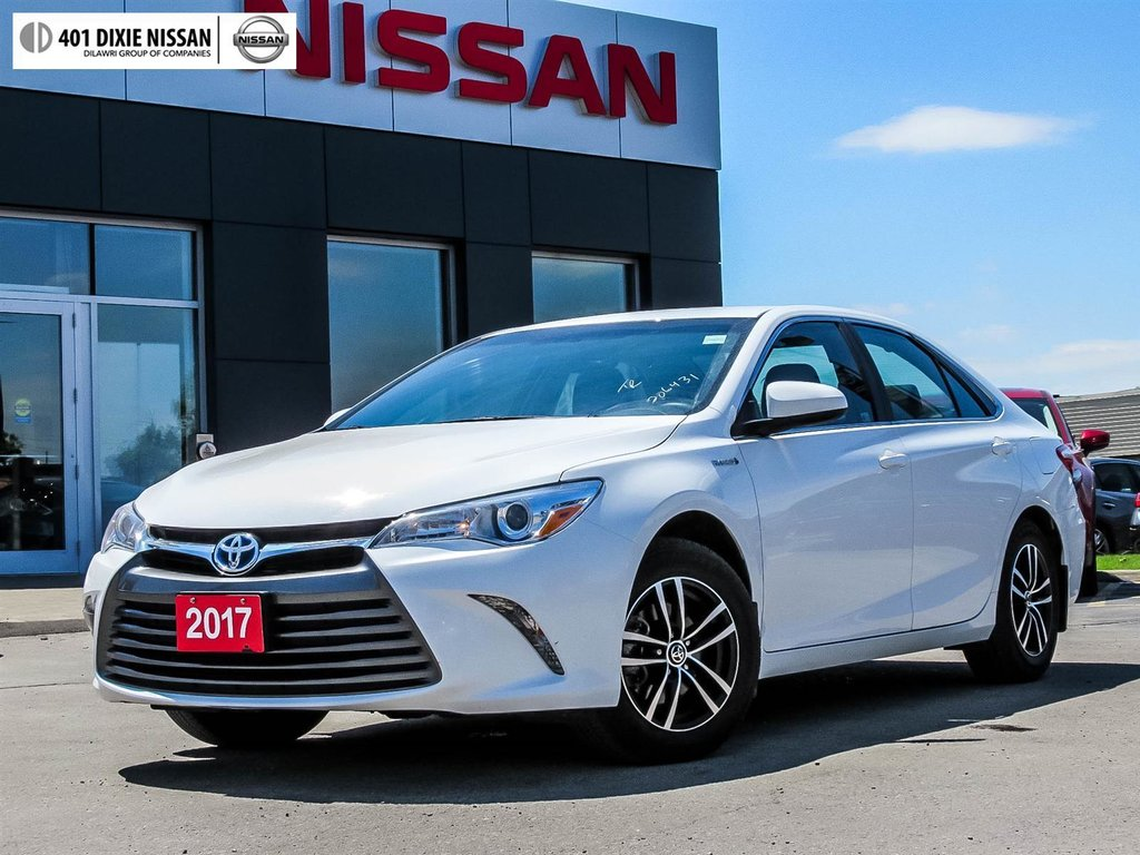 2017 Toyota Camry Hybrid LE CVT in Mississauga, Ontario - 1 - w1024h768px