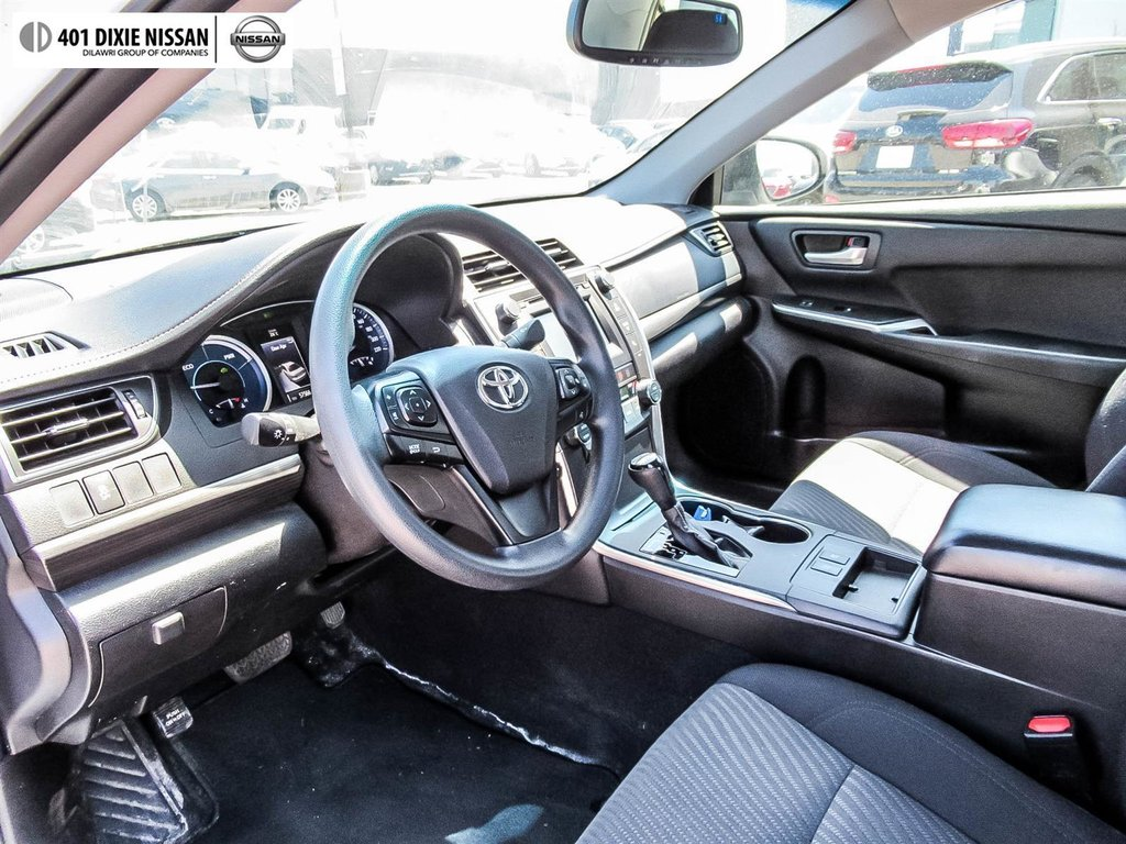 2017 Toyota Camry Hybrid LE CVT in Mississauga, Ontario - 10 - w1024h768px