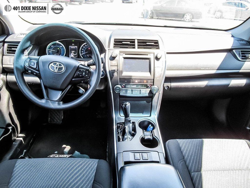 2017 Toyota Camry Hybrid LE CVT in Mississauga, Ontario - 11 - w1024h768px