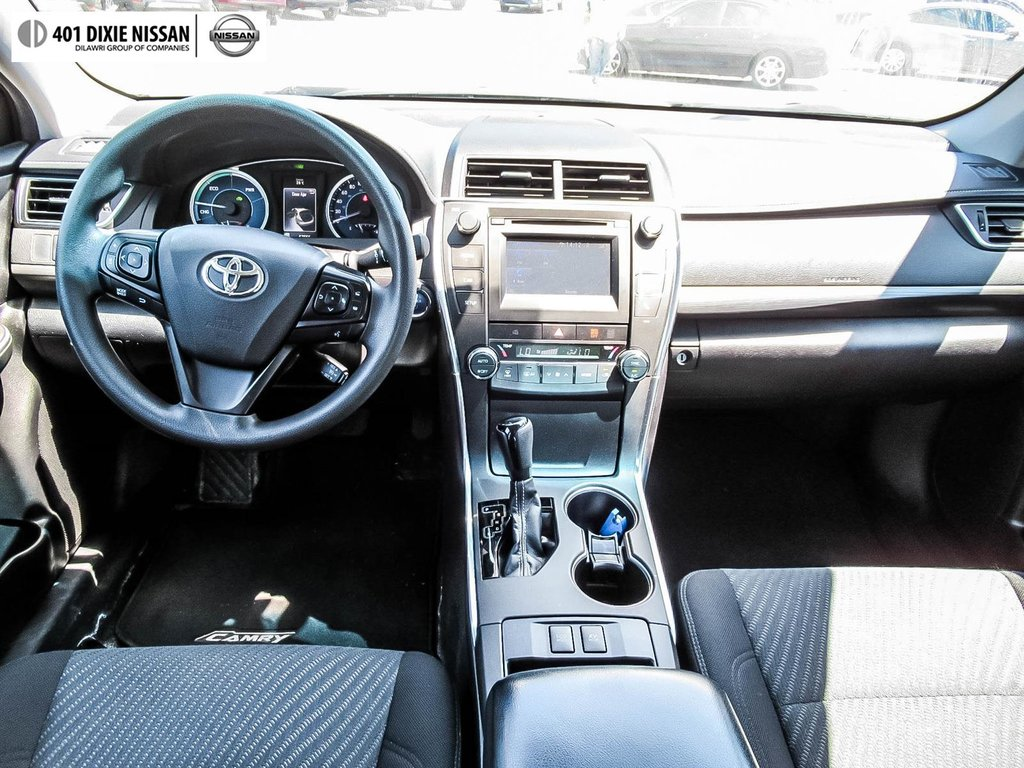 2017 Toyota Camry Hybrid LE CVT in Mississauga, Ontario - 27 - w1024h768px