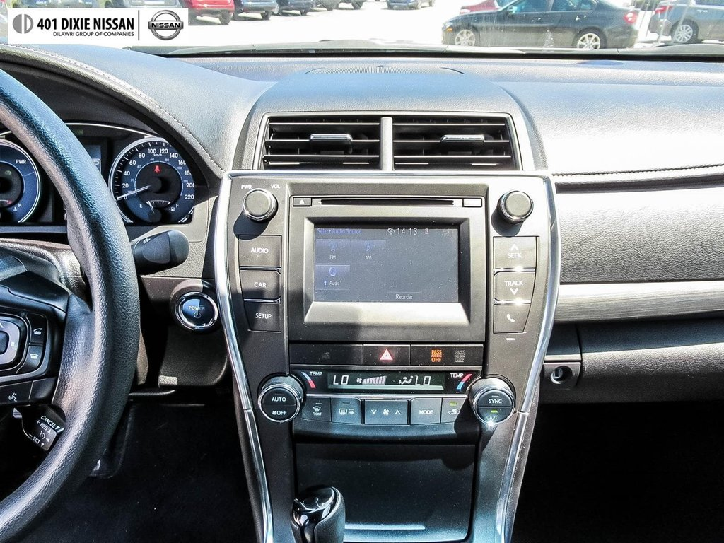 2017 Toyota Camry Hybrid LE CVT in Mississauga, Ontario - 15 - w1024h768px