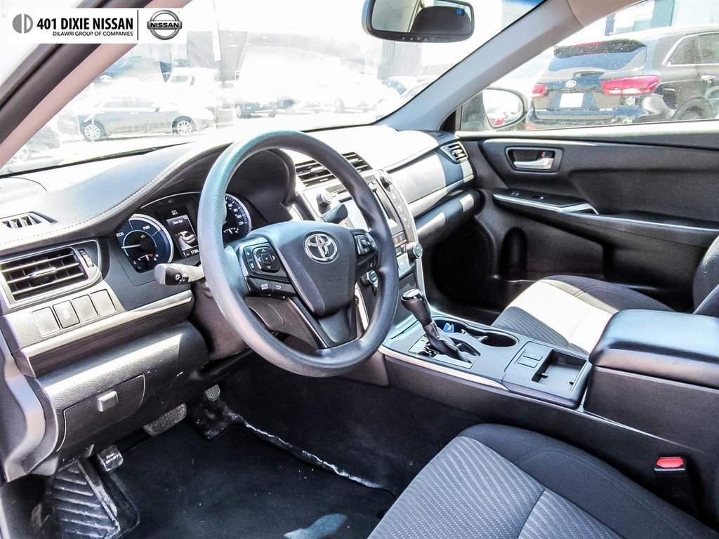 2017 Toyota Camry Hybrid LE CVT in Mississauga, Ontario - 25 - w1024h768px