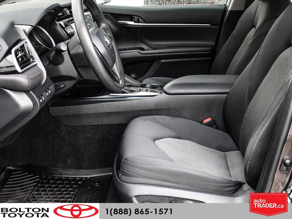 2018 Toyota Camry Hybrid LE CVT in Bolton, Ontario - 11 - w1024h768px