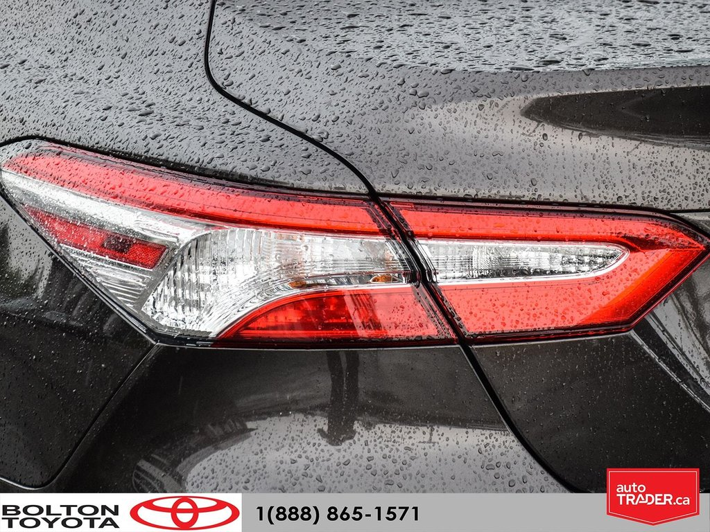 2018 Toyota Camry Hybrid LE CVT in Bolton, Ontario - 6 - w1024h768px
