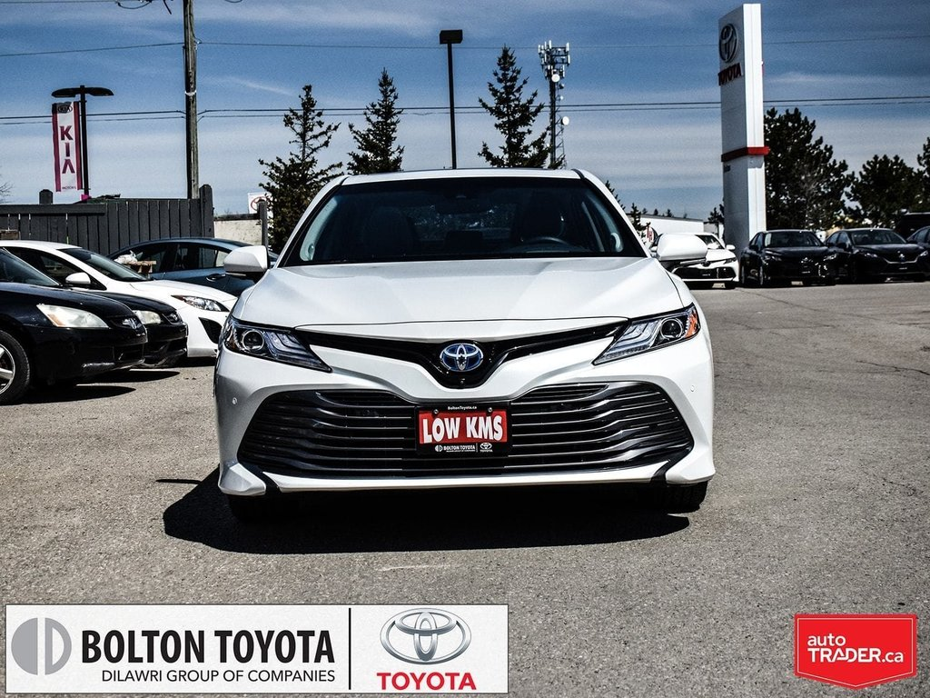 2018 Toyota Camry Hybrid XLE CVT in Bolton, Ontario - 2 - w1024h768px