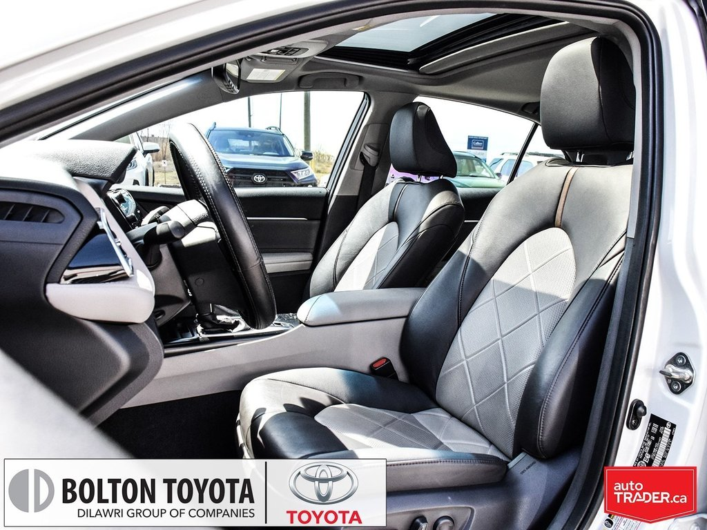 2018 Toyota Camry Hybrid XLE CVT in Bolton, Ontario - 13 - w1024h768px