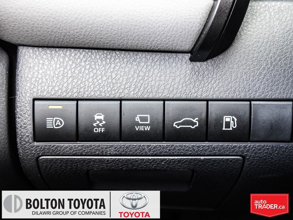 2018 Toyota Camry Hybrid XLE CVT in Bolton, Ontario - 9 - w1024h768px