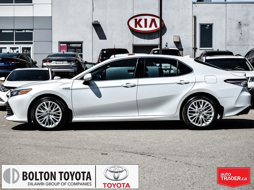 2018 Toyota Camry Hybrid XLE CVT in Bolton, Ontario - 3 - w1024h768px