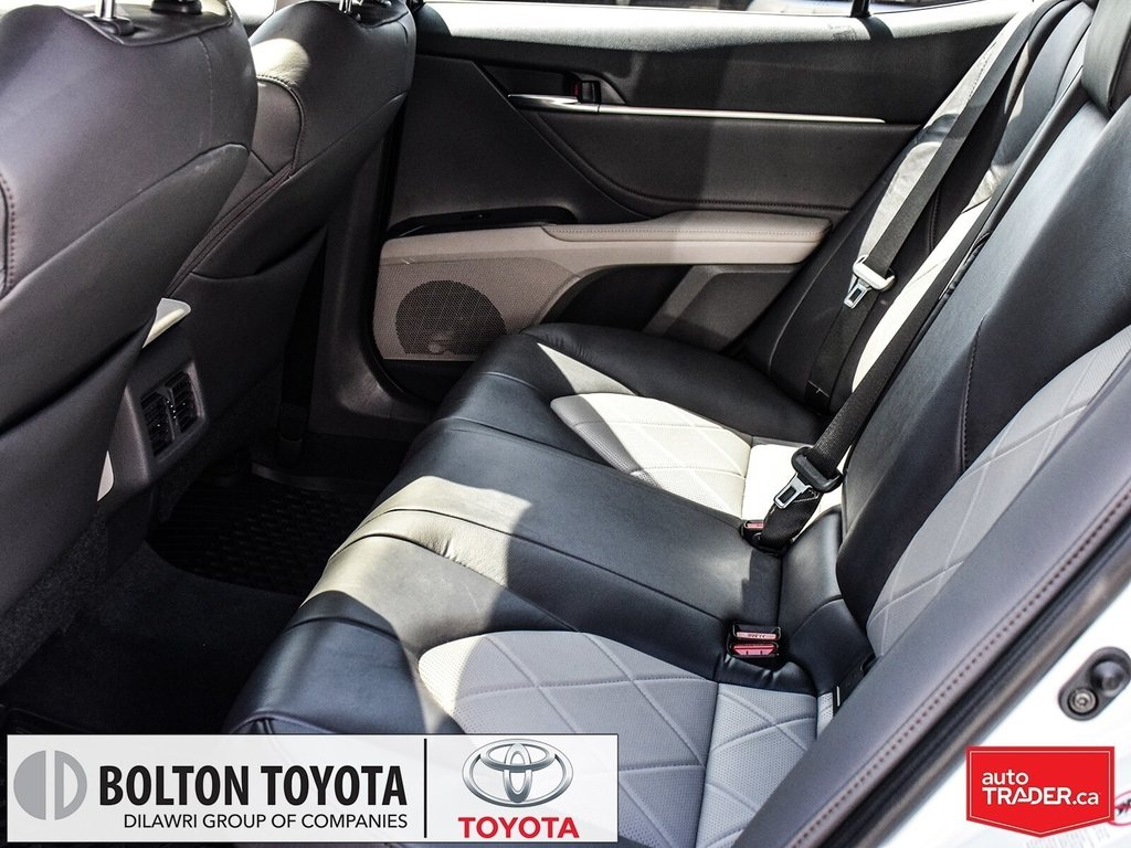 2018 Toyota Camry Hybrid XLE CVT in Bolton, Ontario - 15 - w1024h768px