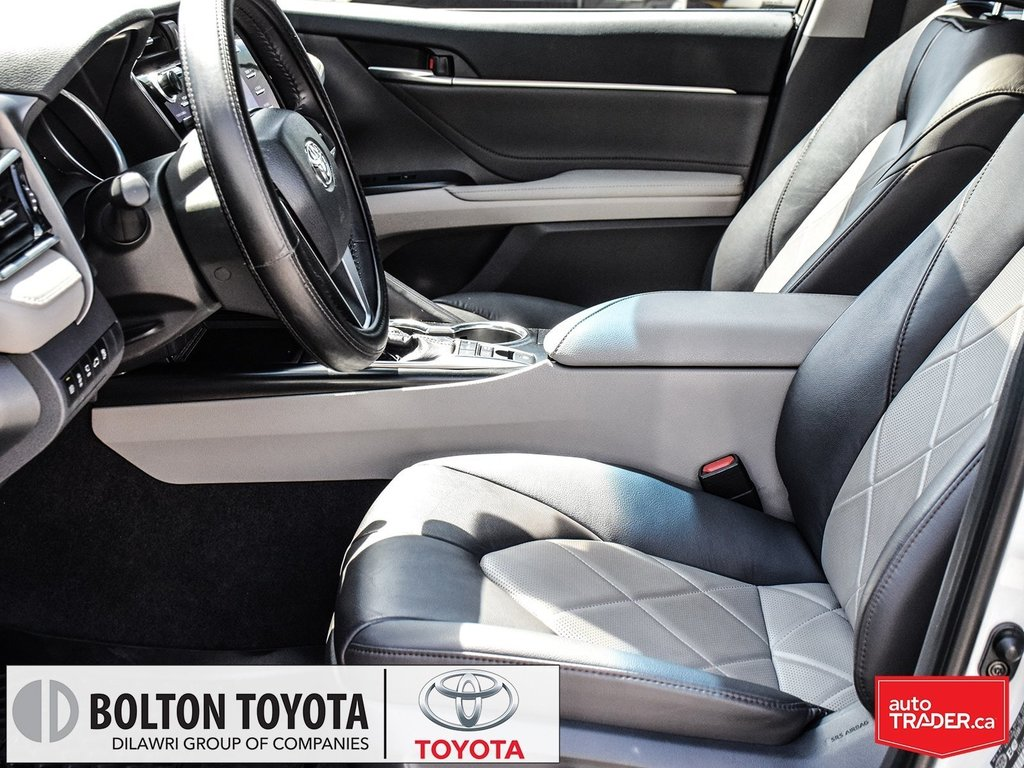 2018 Toyota Camry Hybrid XLE CVT in Bolton, Ontario - 14 - w1024h768px
