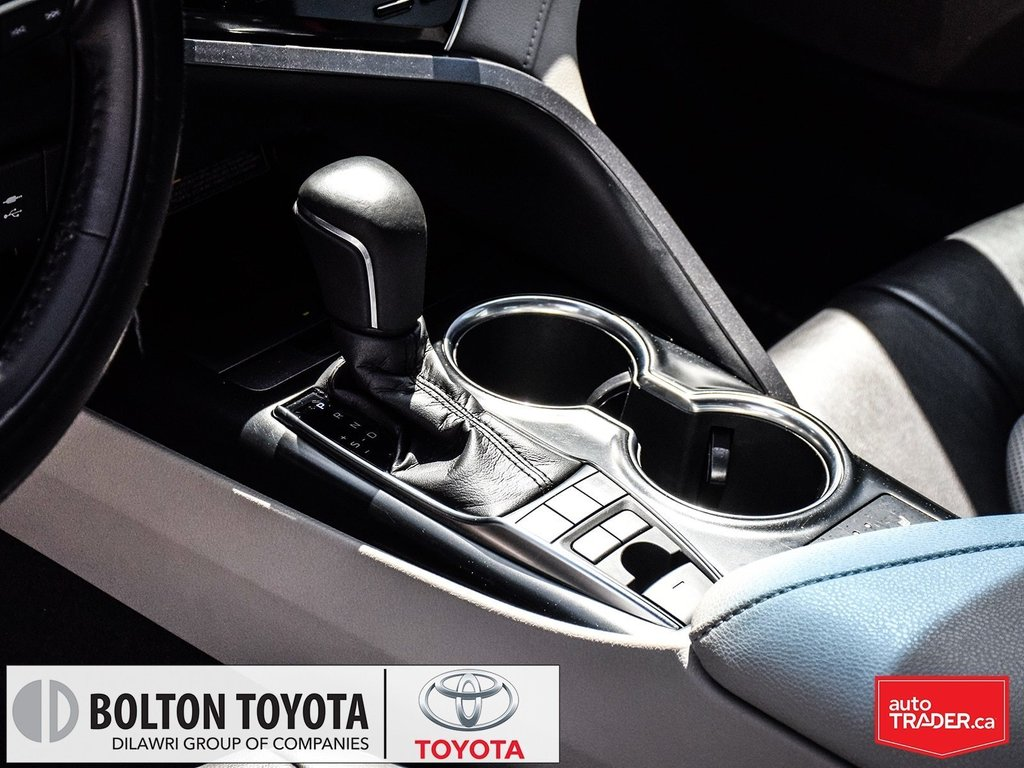 2018 Toyota Camry Hybrid XLE CVT in Bolton, Ontario - 16 - w1024h768px