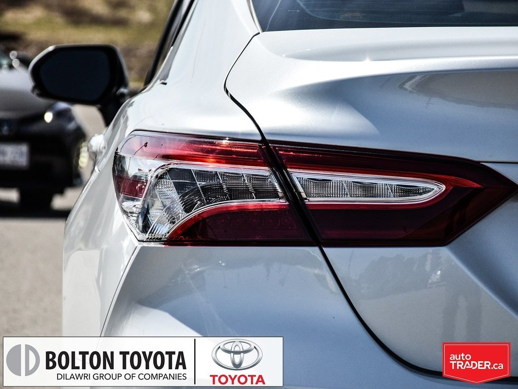 2018 Toyota Camry Hybrid XLE CVT in Bolton, Ontario - 8 - w1024h768px