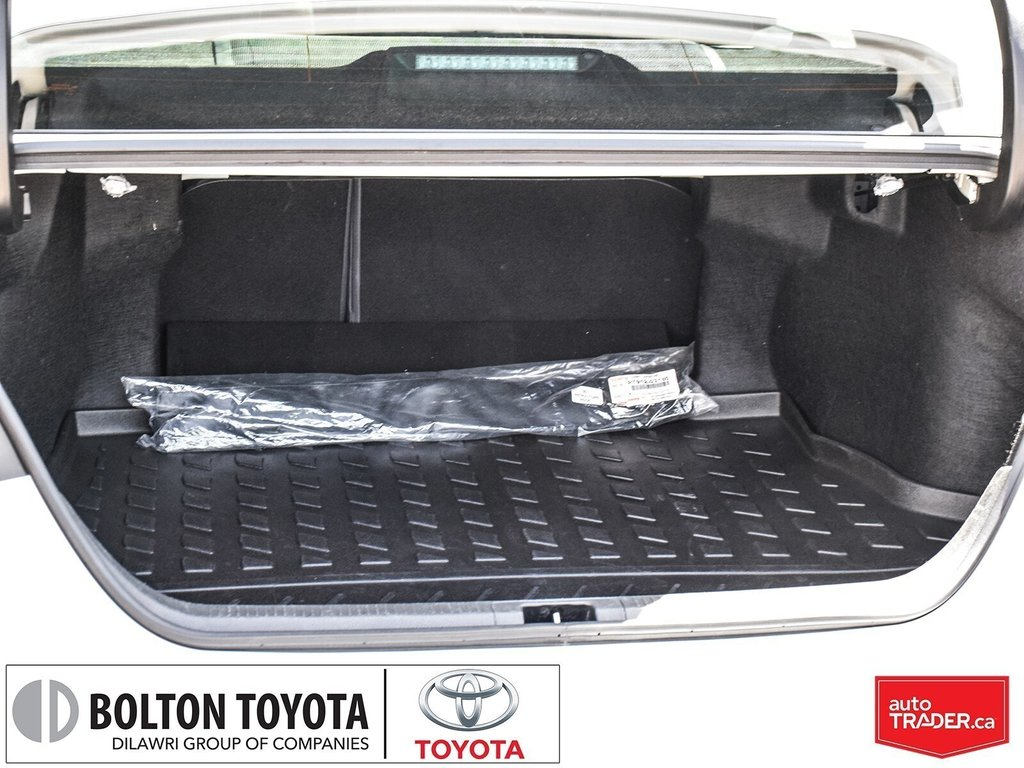 2018 Toyota Camry Hybrid XLE CVT in Bolton, Ontario - 25 - w1024h768px