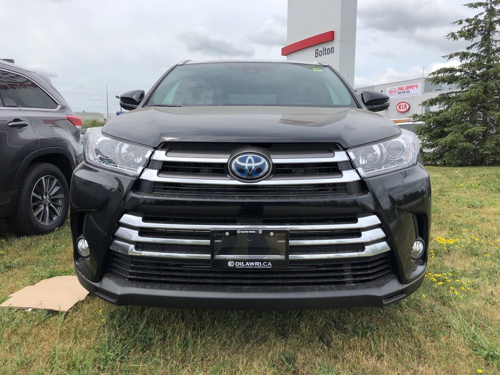 2019 Toyota Camry Hybrid LE in Bolton, Ontario - 2 - w1024h768px