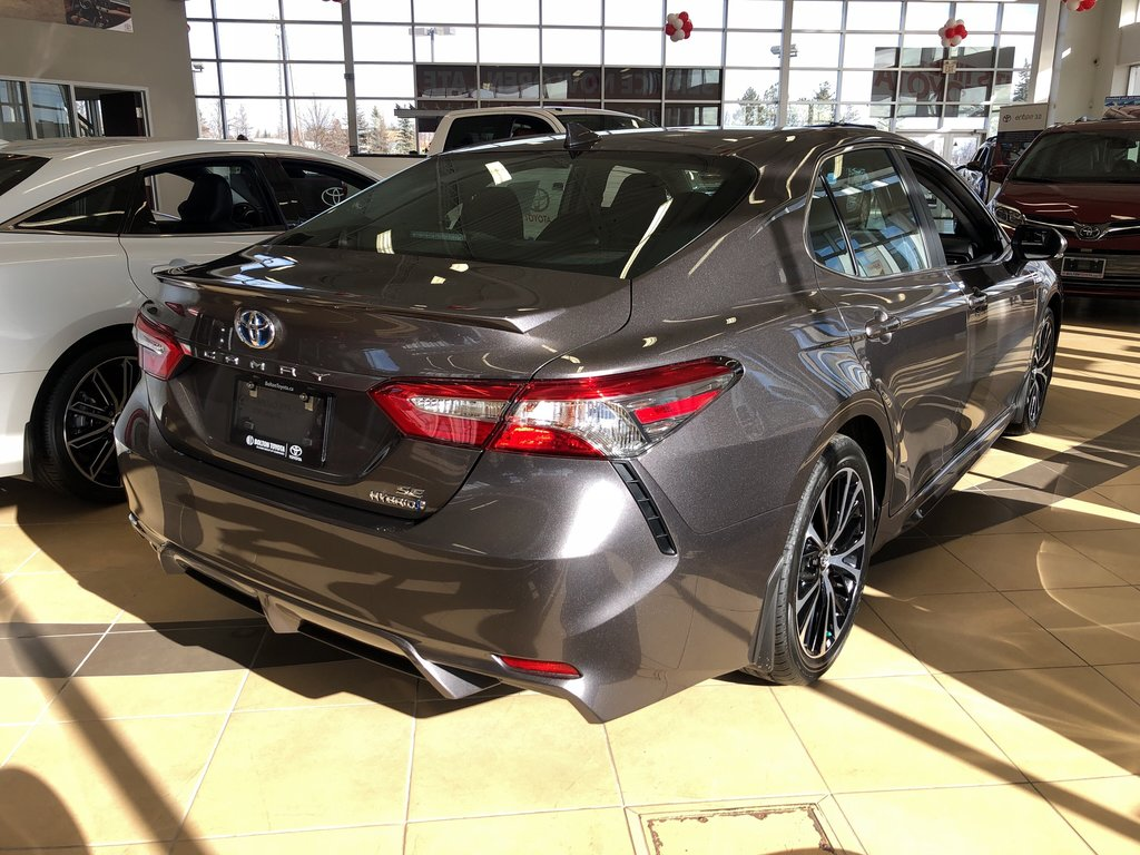 2019 Toyota Camry Hybrid SE in Bolton, Ontario - 3 - w1024h768px