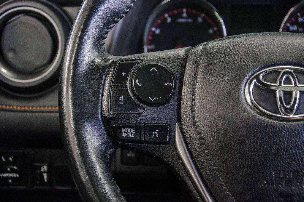 Toyota Camry Hybrid SE CVT 2019 à Verdun, Québec - 12 - w1024h768px