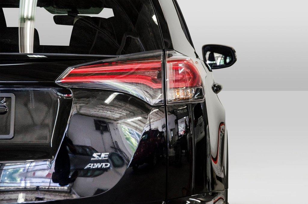 Toyota Camry Hybrid SE CVT 2019 à Verdun, Québec - 27 - w1024h768px