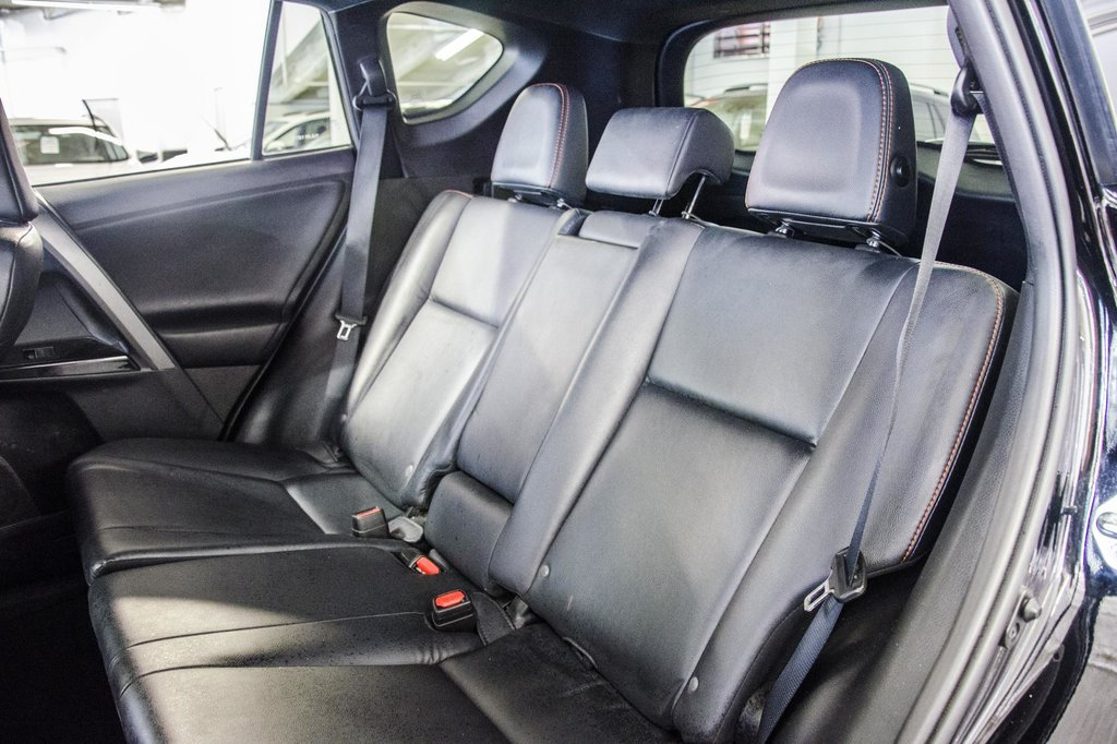Toyota Camry Hybrid SE CVT 2019 à Verdun, Québec - 24 - w1024h768px