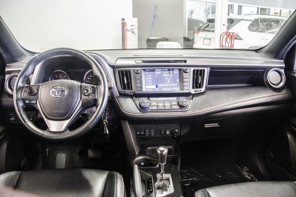 Toyota Camry Hybrid SE CVT 2019 à Verdun, Québec - 9 - w1024h768px